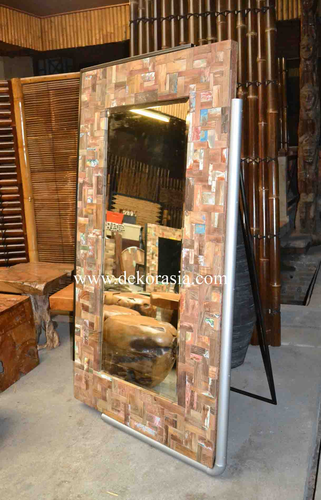 BOAT WOOD STANDING MIRROR